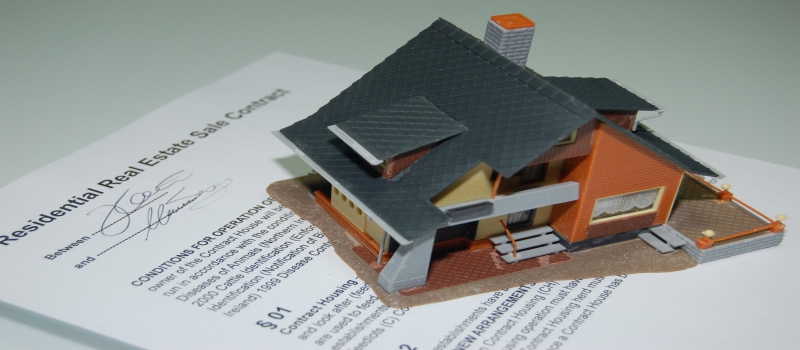 The Advantages of Using a Real Estate Lawyer When Selling a Home