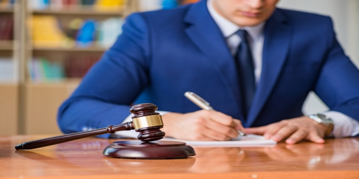 How You Can Shun Away Legal Troubles By Hiring A Professional Litigation Attorney